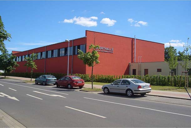 <strong>Sporthalle OS Diesterweg<span><b>  </b>Gesellschaftsbauten  </span></strong><i>→</i>