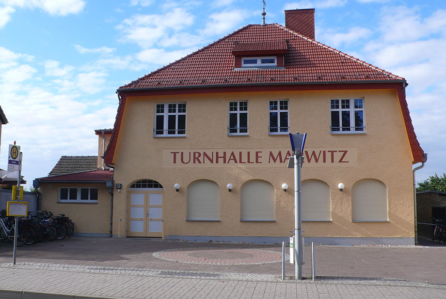 <strong>Turnhalle Marwitz<span><b>  </b>Gesellschaftsbauten  </span></strong><i>→</i>